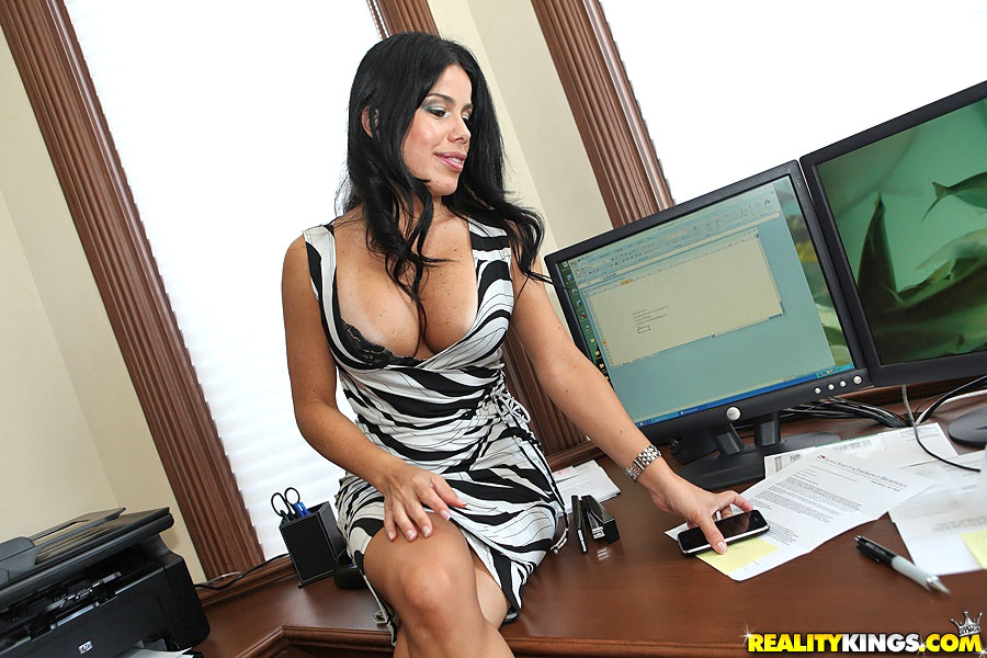 tits babe big office