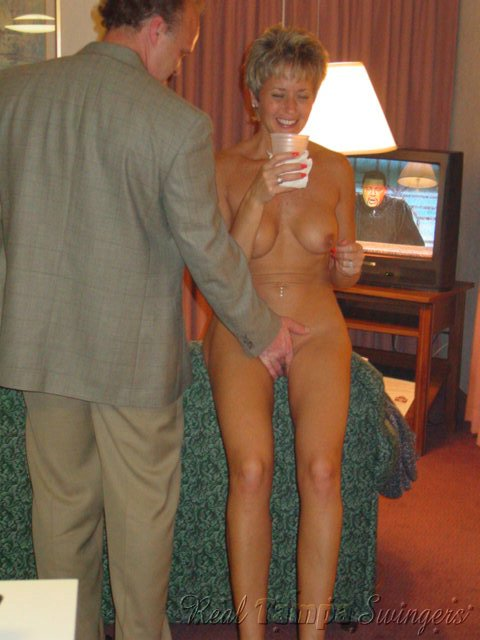 Ex Wife On Nude Her Knees