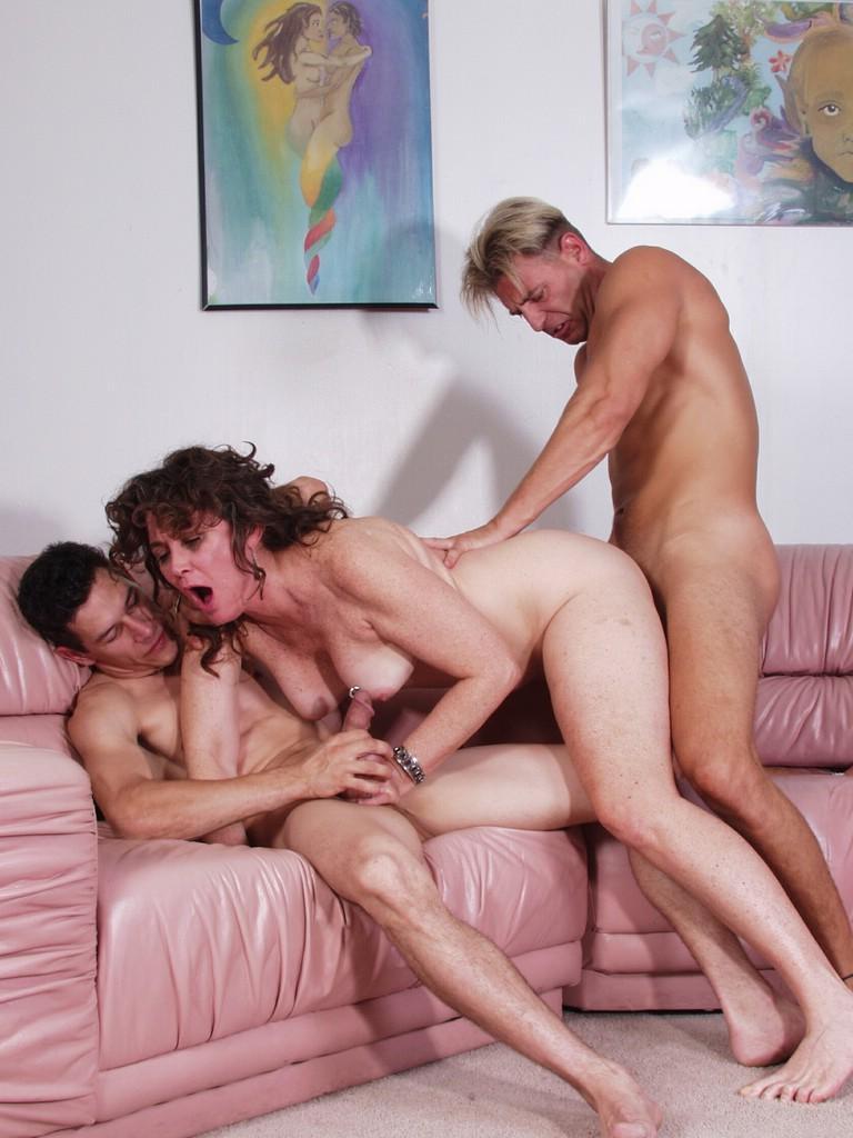 seks-gruppovoy-s-pozhilimi-lyudmi