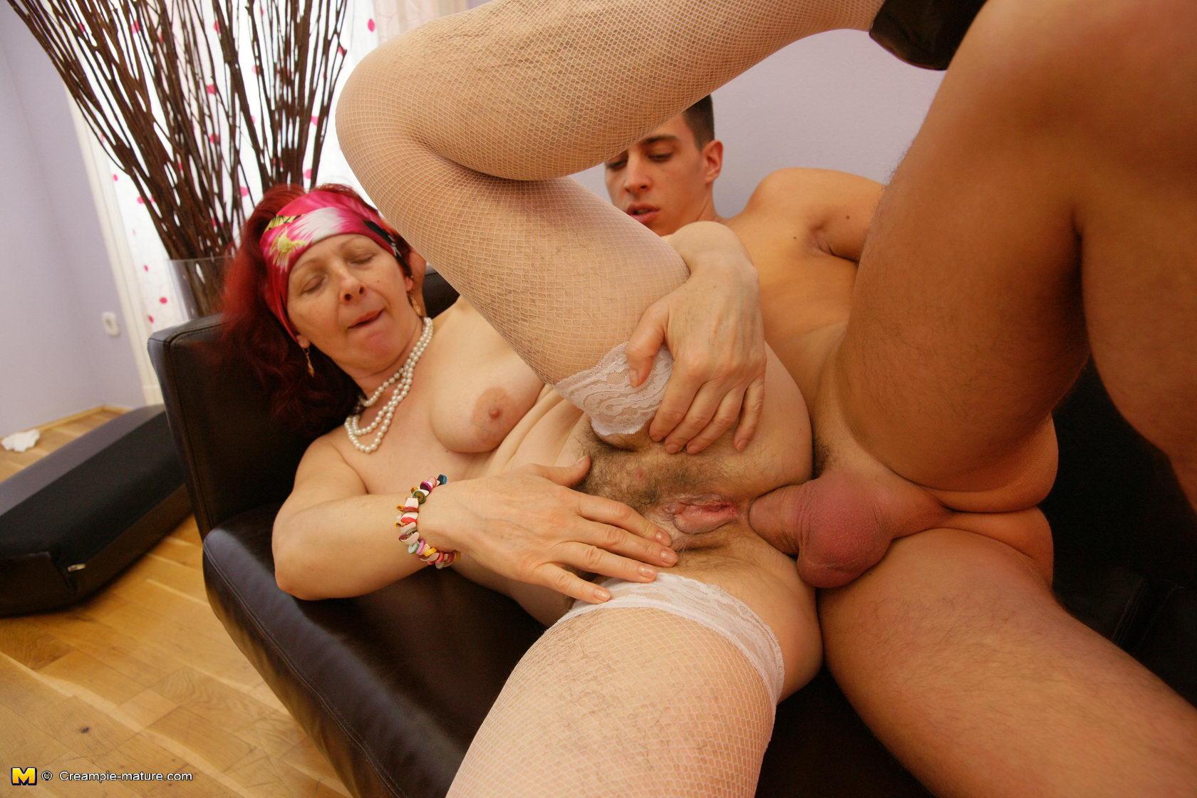 анальное порно фистинг с зрелыми мамами