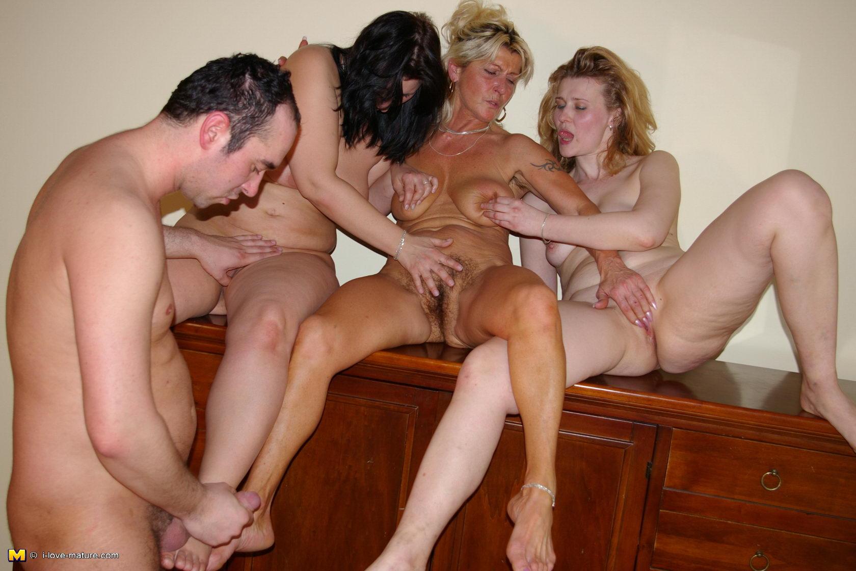 Супер, однако порно новое видео зрелых дам