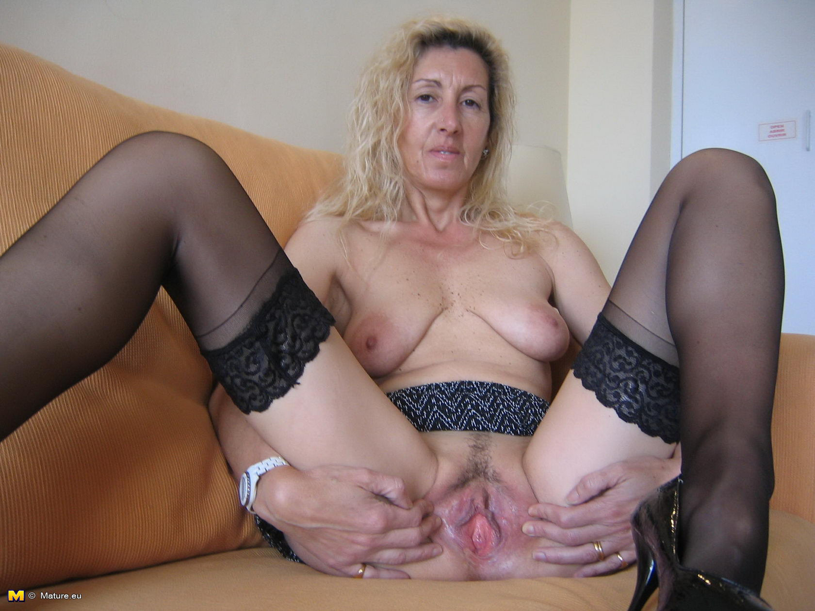 mom fucking black cock video