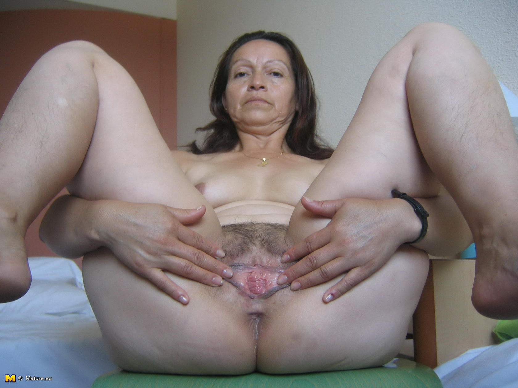 Healthy! Mature saggy naked eu simply excellent
