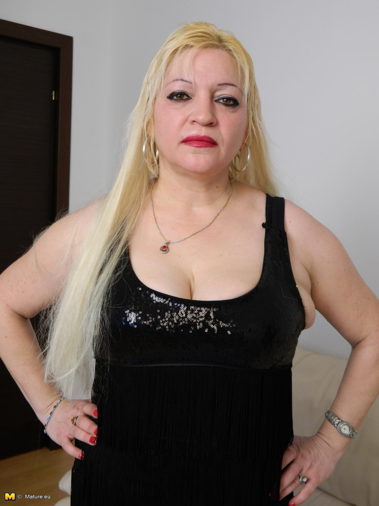 Chubby Amateur Blonde Wife