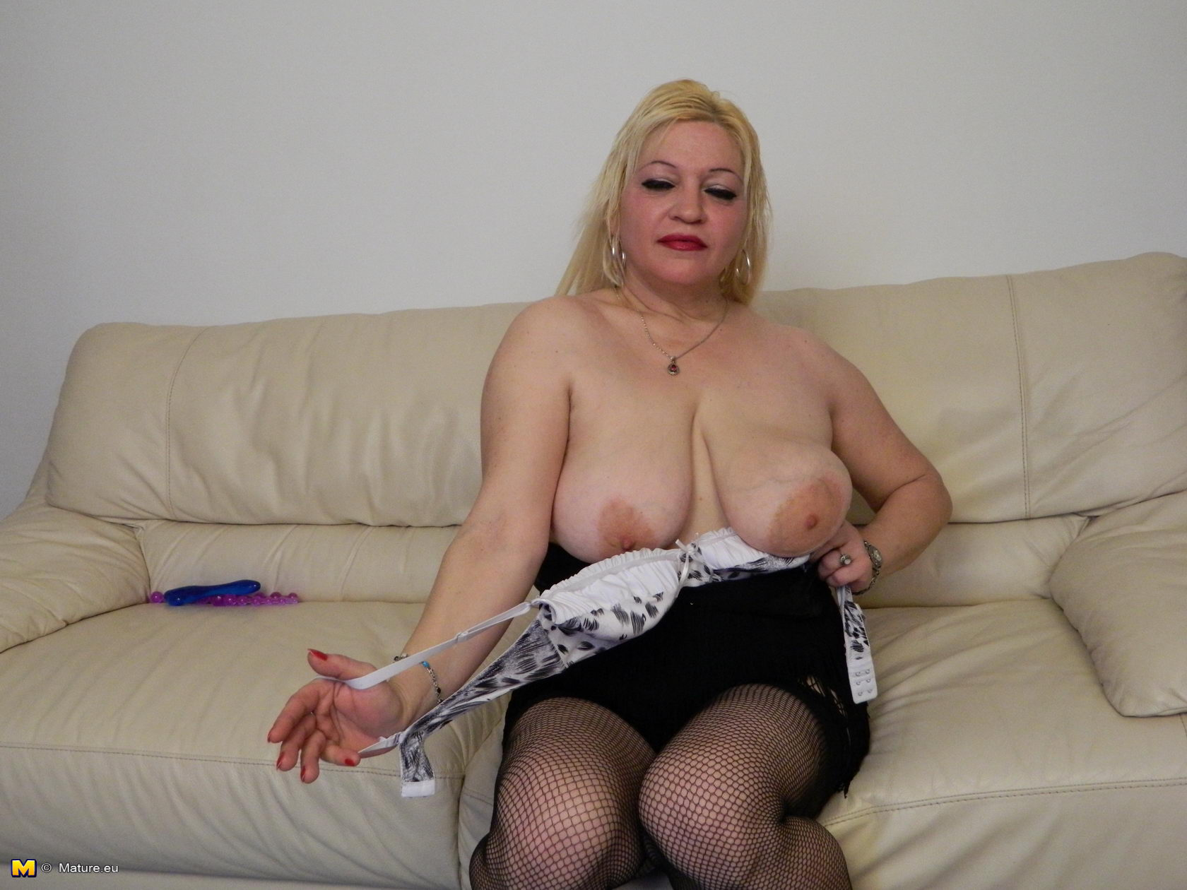 Mature chubby woman resize 045 süß