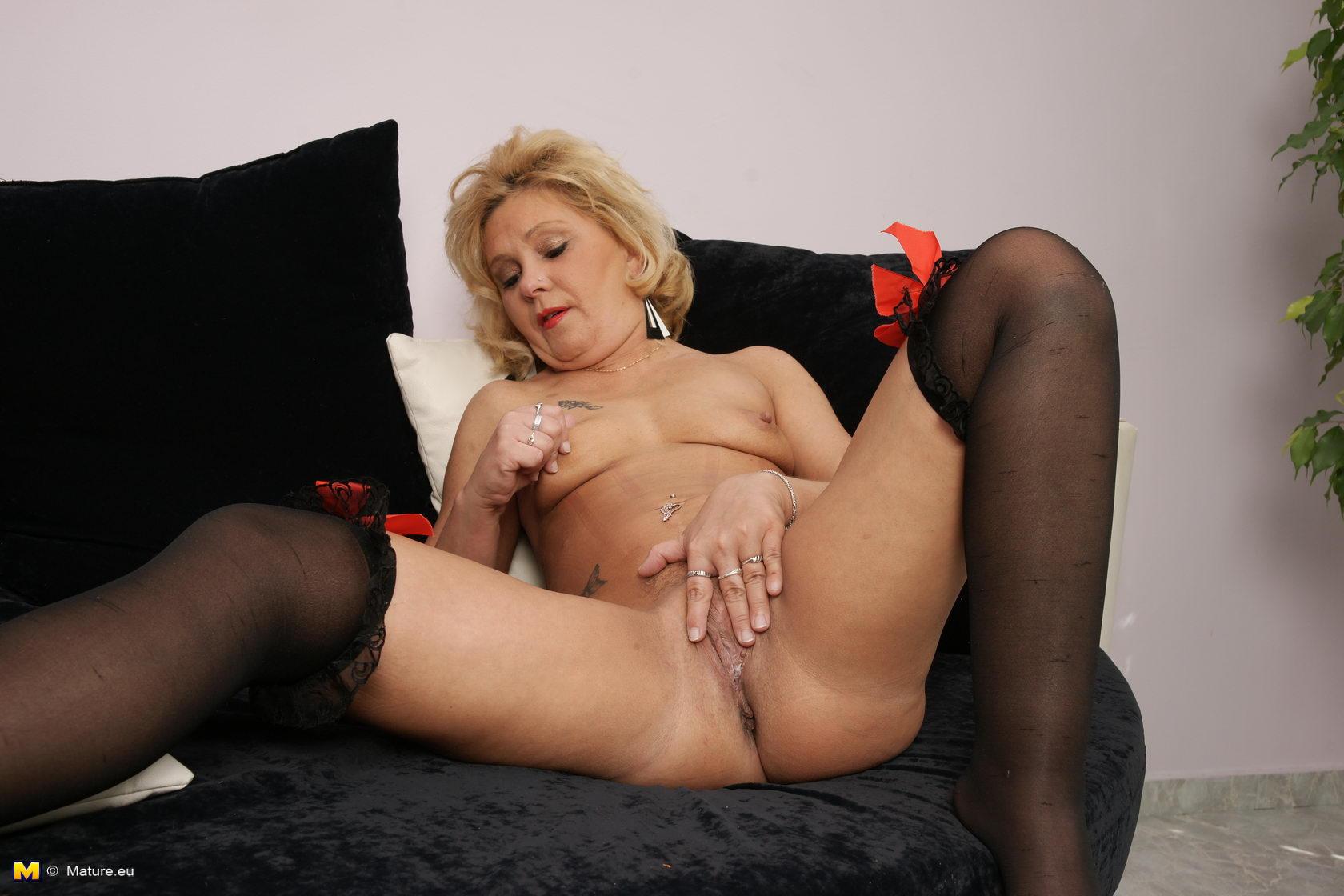 секс с курицей порно видео