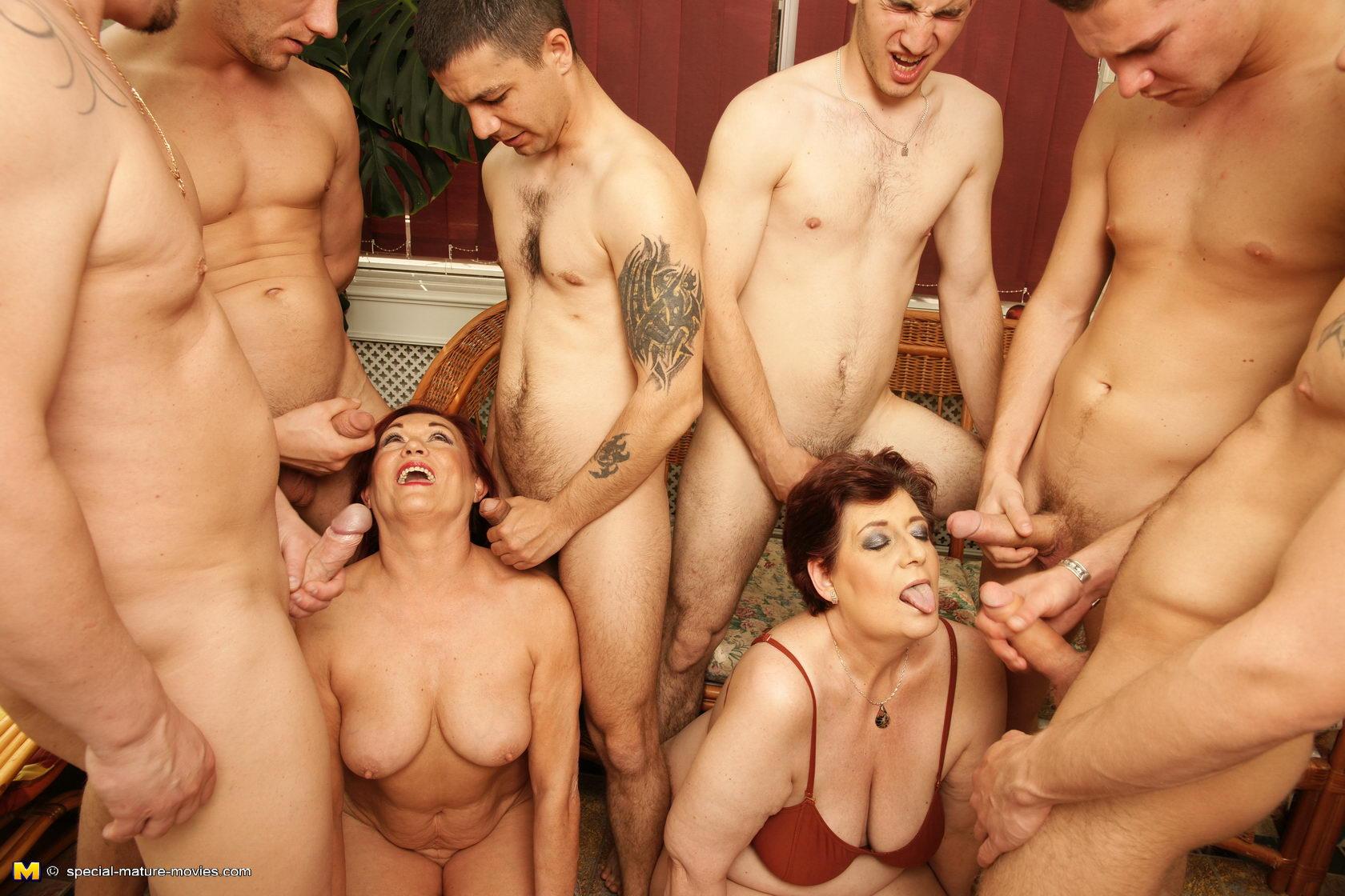 Парень трахает зрелую тетю - Ролики 18+ для взрослых поклонников порно