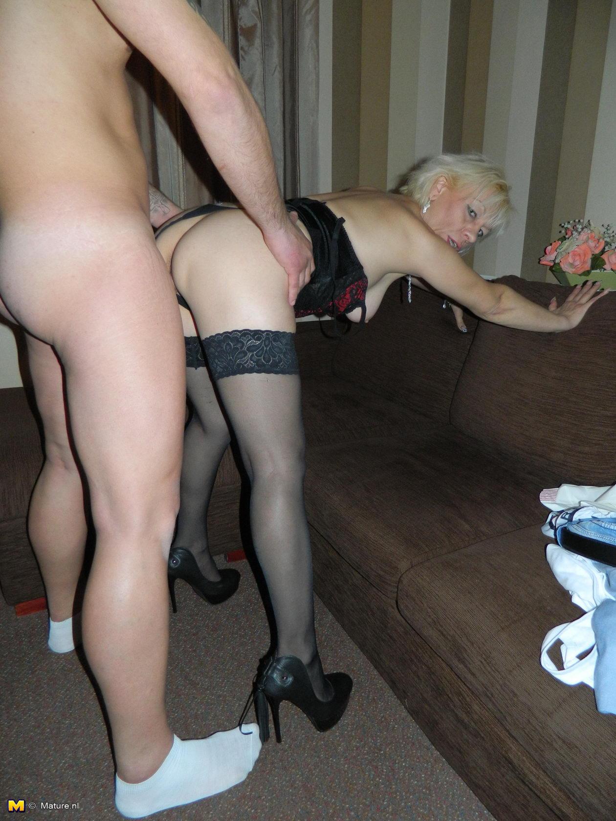 Порно извращения зрелых женщин