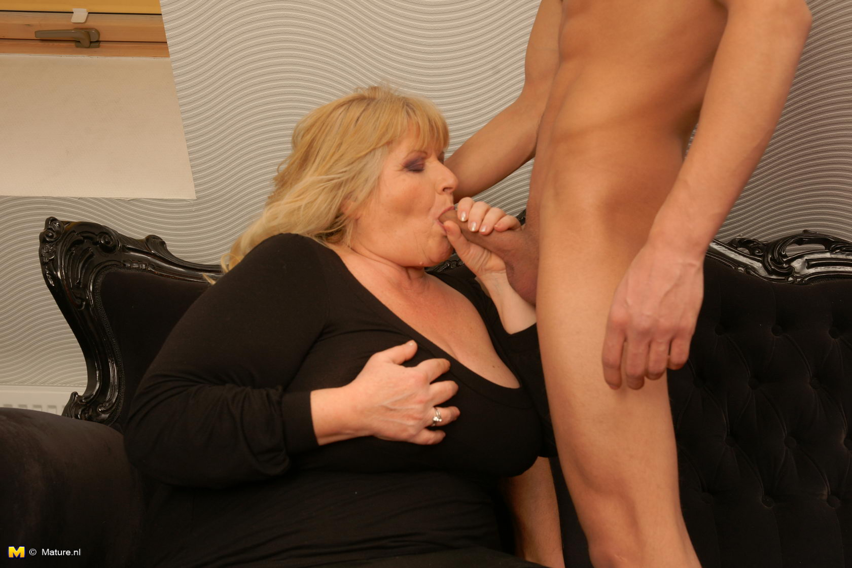 Blonde milf w fat ass perky tots walmart faceshot - 3 7