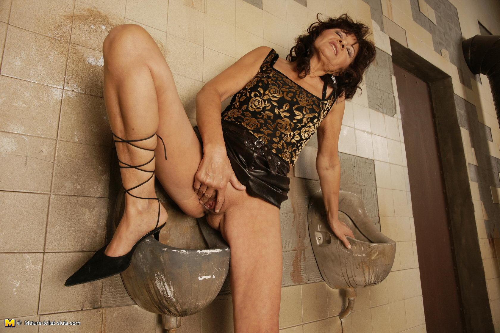 Секс на туалет 1 фотография