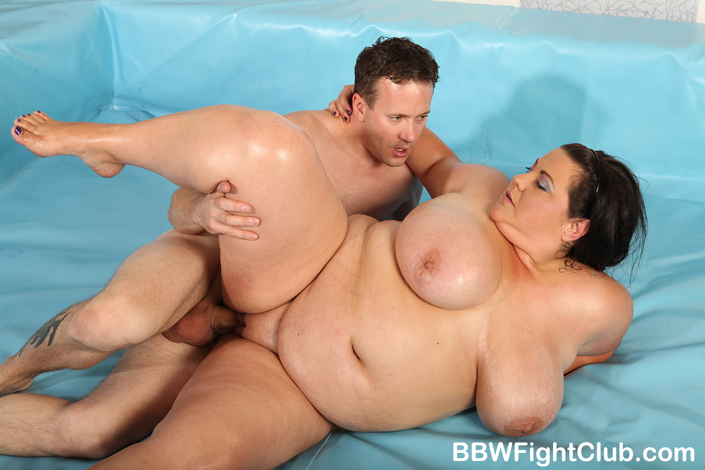 Bbw fight club presents semifinal wrestlers leny and kristy 9