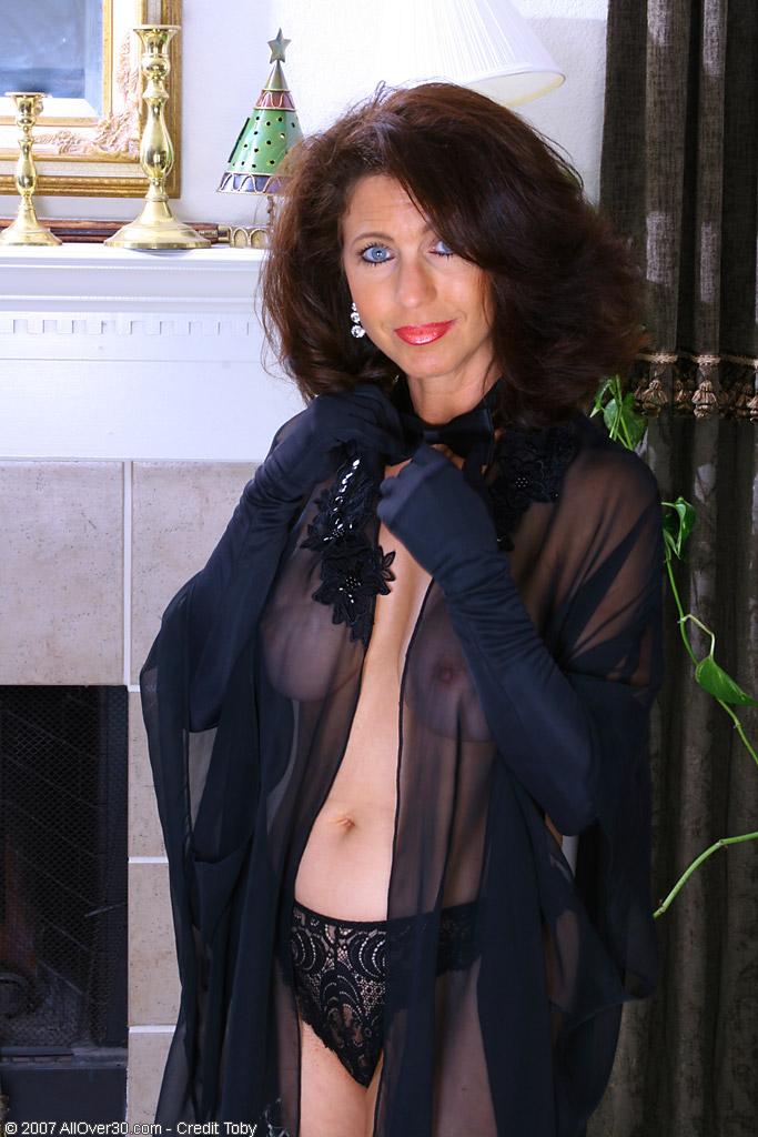 mature women in robe Nude