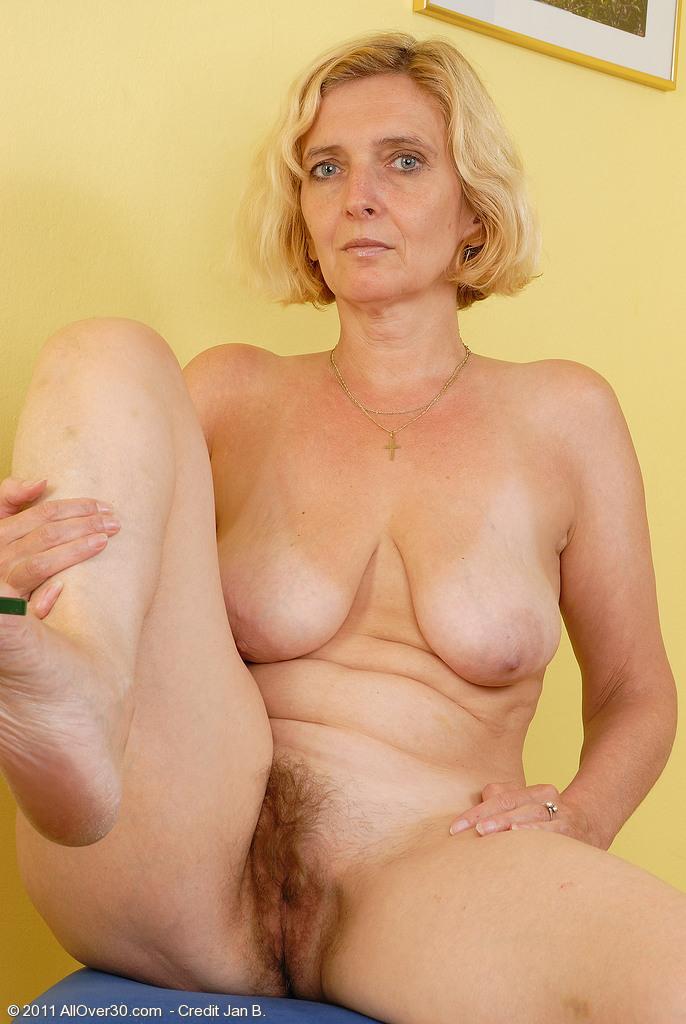 волосатая бабка порно фото