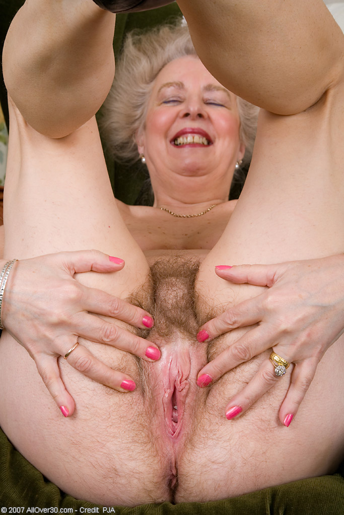 Фото волосатая пися бабушки