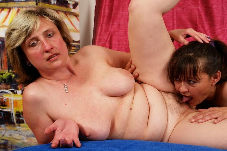 Lesbian dating site free uk