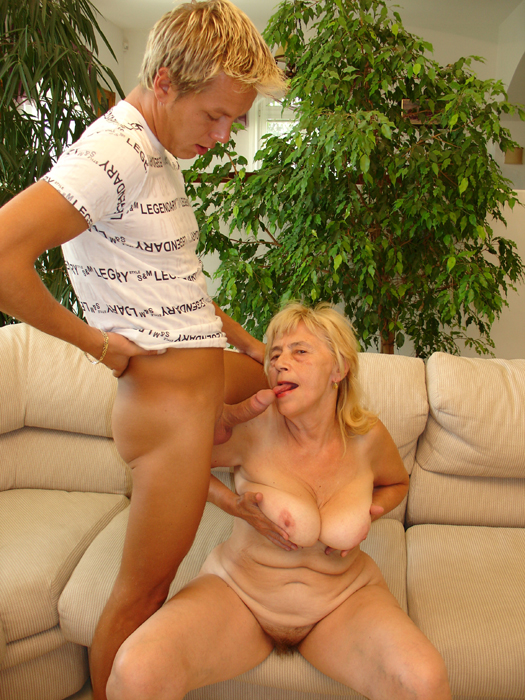 erotika-s-starimi-damami