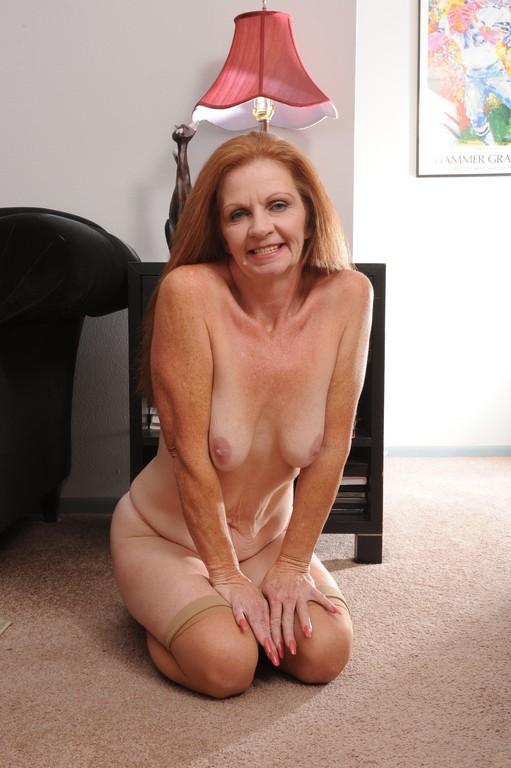 частное фото порно тощие старые бабушки