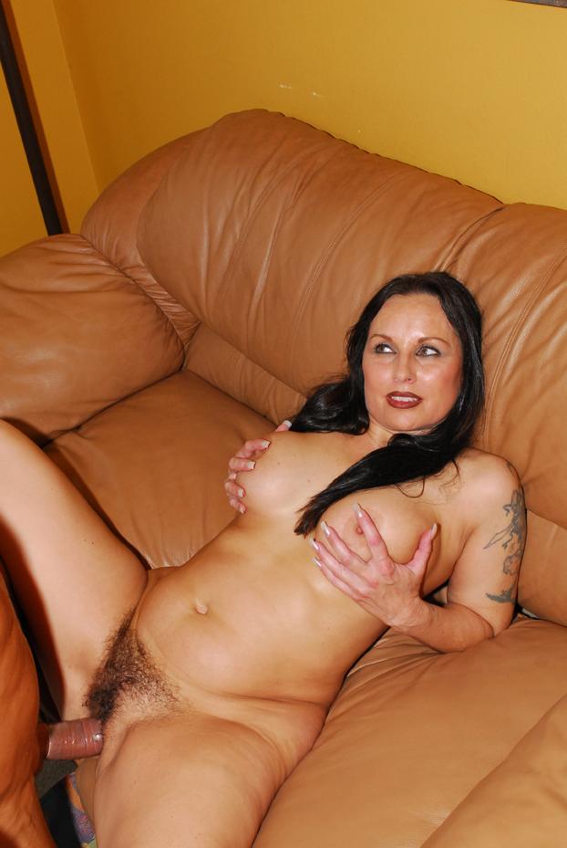 Секс зрелые брюнетки