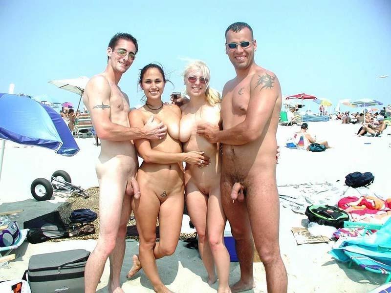 голые нудисты на пляже фото № 197384 бесплатно