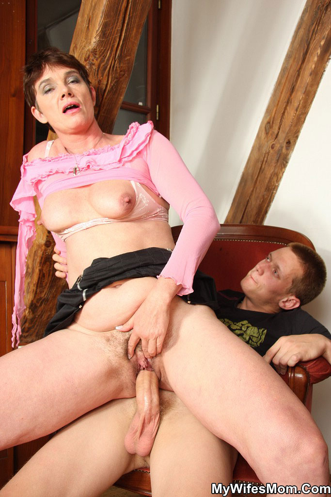Fucking, old, mother in, law, outside, Free Porn
