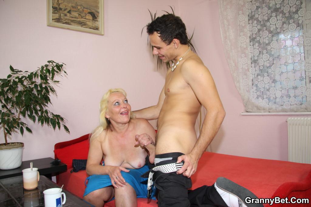 Порно фото мамок с обвислыми сиськами 85317 фотография