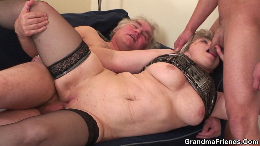 Порно фото бабушек двойное проникновение