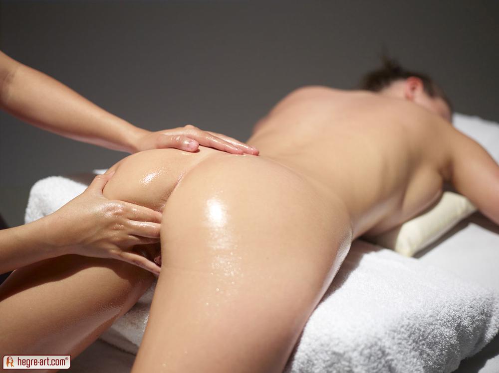 Оргазм интимный массаж видео