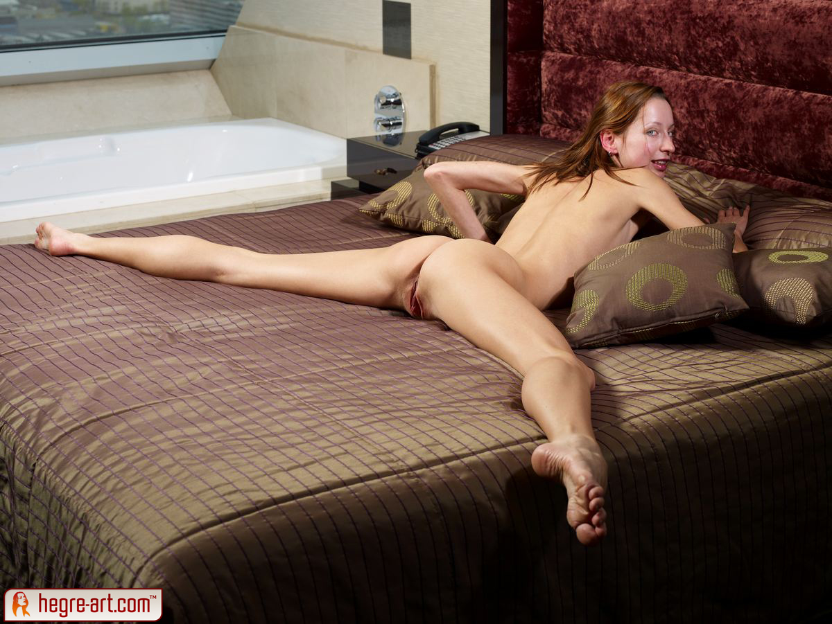 hotel sex thumbs jpg 853x1280