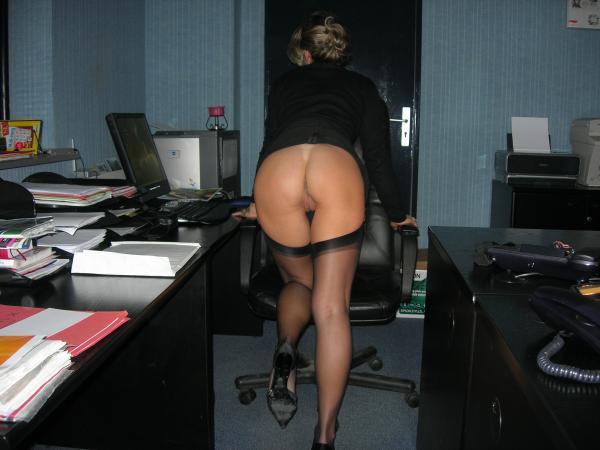 Частное фото голых женщин в юбках