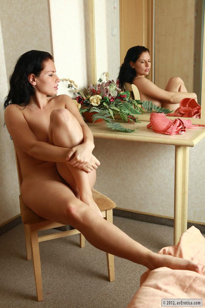 Laura torrisi sexy pics