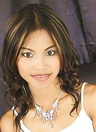 Sexy Thai Teen Tussinee Has 17