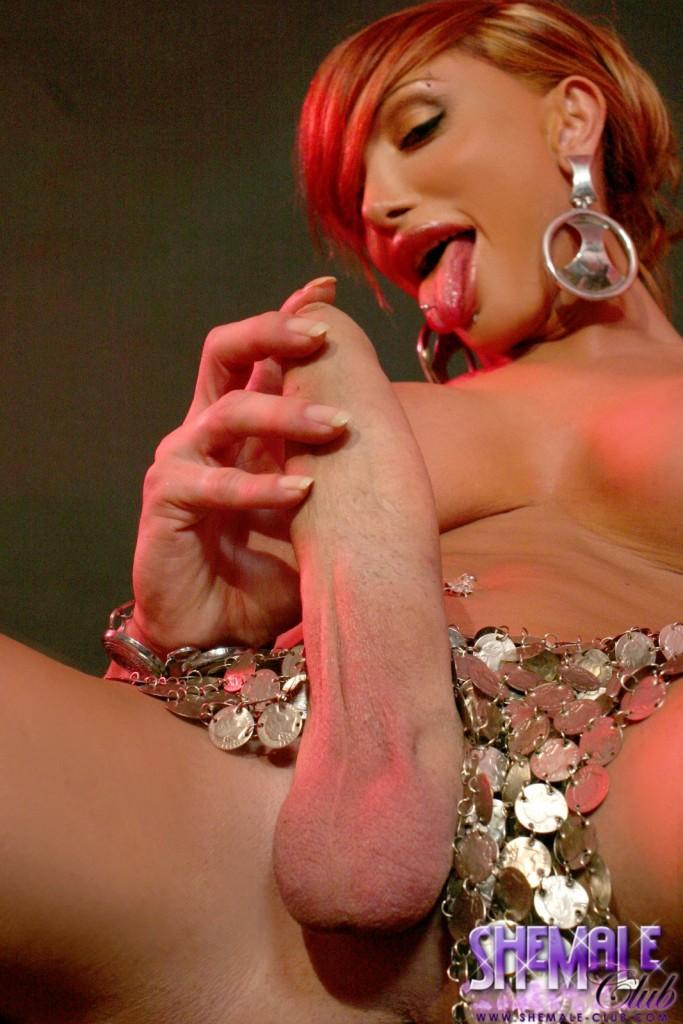 Rishor recommends Handjob wearing sexy jewelry