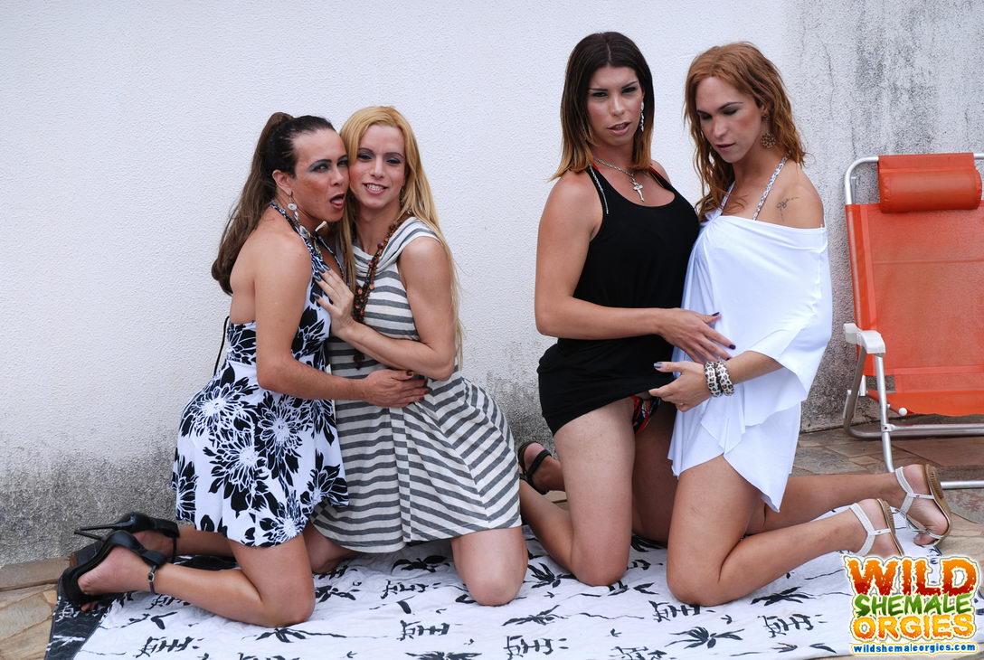 Latinas masterbating porn free